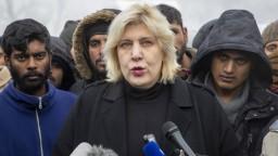 Zatvorte tábor Vučjak, utečencom hrozí smrť, varuje komisárka RE