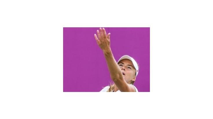 V tenise sa darilo len Hantuchovej, ktorá hladko postúpila do osemfinále