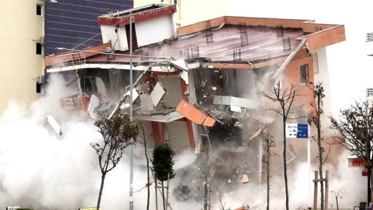 Pomôžeme Balkánu, ktorý sa spamätáva zo smrtiaceho zemetrasenia