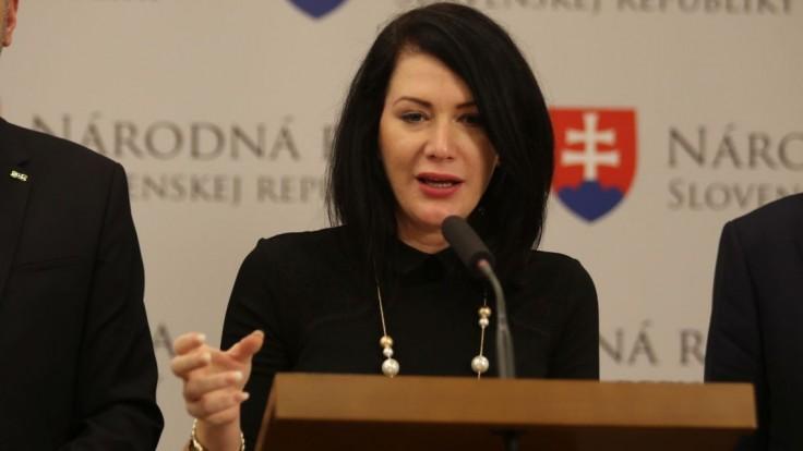 Nestiahnite reformu nemocníc z hlasovania, žiada Cigániková