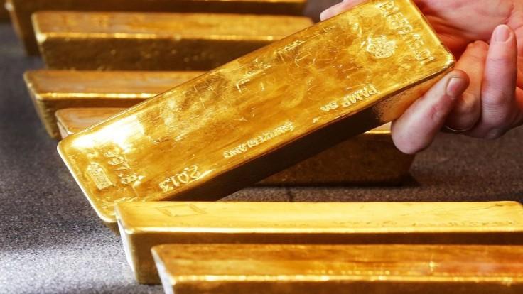 Počas prísne stráženej tajnej operácie previezli vyše sto ton zlata