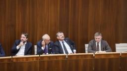 Neschválili mimoriadne schôdze o zlate ani presunutých návrhoch