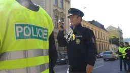V Prahe dobodali cudzinca, útok sa odohral v obchodnom centre