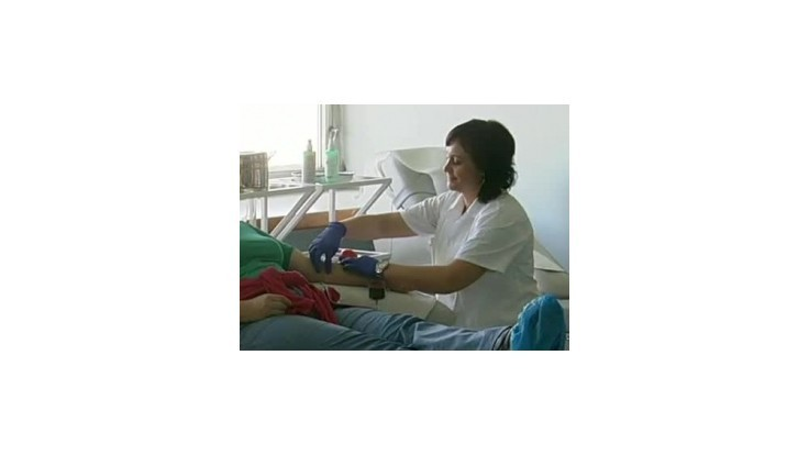 Nemocnice hlásia nedostatok krvi, NTS prosí darcov o pomoc