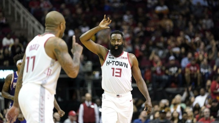 NBA: Houston triumfoval nad Phoenixom, opäť pomohol Harden