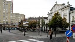Na bratislavskom námestí po napadnutí zomrel muž, hľadajú svedkov