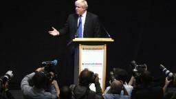 Johnson pripustil možné kontroly pri vstupe do Severného Írska