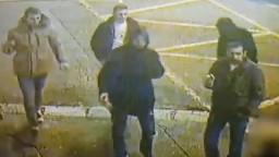 Polícia po zabití na Námestí SNP ukázala zábery. Žiada o pomoc