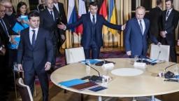 Putin a Zelenskyj sa na summite o Ukrajine zhodli aj na prímerí
