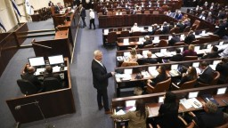 Vytvorenie koalície stroskotalo. Izrael si bude opäť voliť parlament