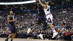 NBA: Leonarda privítali v Toronte s nadšením, prevzal si prsteň