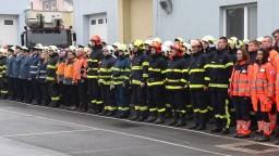Zachránili životy. Saková ocenila hasičov, ktorí zasiahli v bytovke