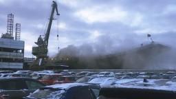 Ruskú lietadlovú loď zachvátil požiar, kapitán je nezvestný