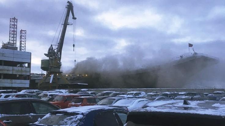 Požiar na ruskej lodi má druhú obeť, muž evakuoval robotníkov