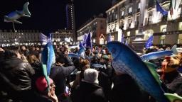 Do boja proti Salvinimu sa dalo nové hnutie. Hovoria si Sardinky