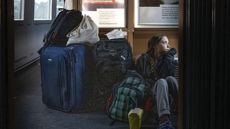 Preplneným vlakom sa nevyhla ani Greta. Po cestách mieri domov