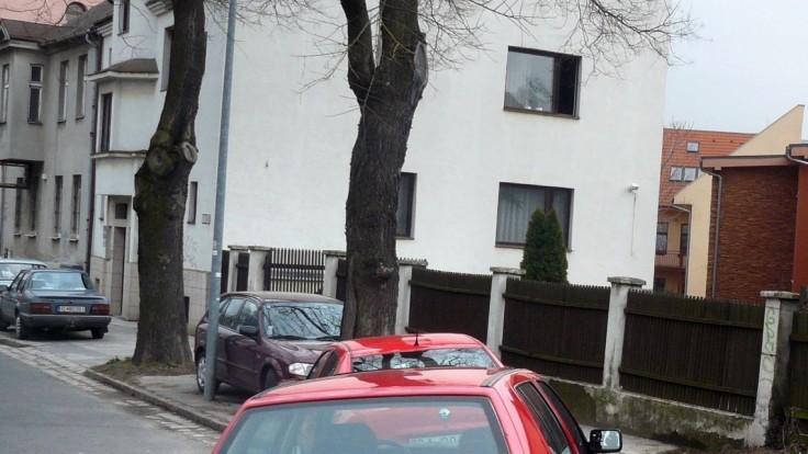 Dôchodkyňu z Bratislavy zhodili zo schodov, zasahoval vyjednávač