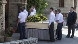 Lacné truhly končia, pohrebníctvo chce byť ekologickejšie