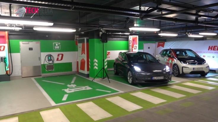 Bratislavský Aupark získal prvú ultrarýchlu nabíjaciu stanicu na Slovensku