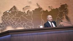 Nepoznáme dôvod zmeny klímy, tvrdil Putin na výročnej tlačovke