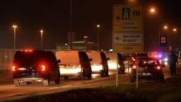 Džihádistov transportovali do rodnej krajiny za prísnych opatrení