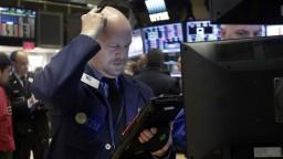 Svetová ekonomika sa na budúci rok zotaví, tvrdia analytici