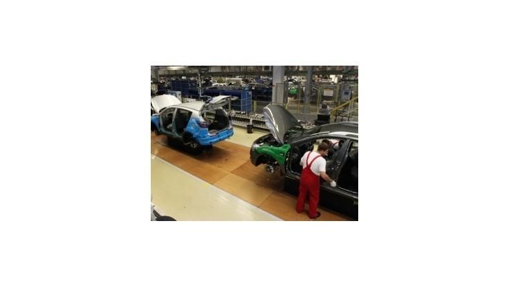 V európskom automobilovom priemysle príde o prácu pol milióna ľudí