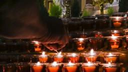 Počas bohoslužby sa otrávili desiatky ľudí, na vine asi bol ohrievač