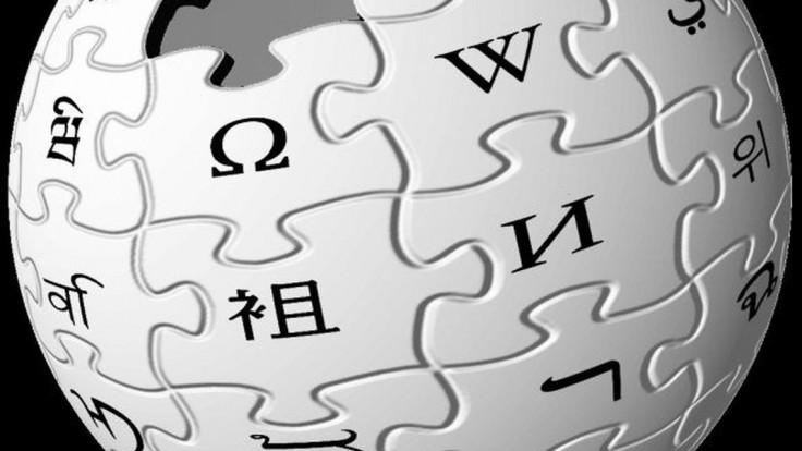 Sudcovia sa postavili vláde: Zákaz Wikipedie bol protiústavný