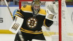 NHL: Boston vyhral s čistým kontom, Halák sa stal hrdinom zápasu