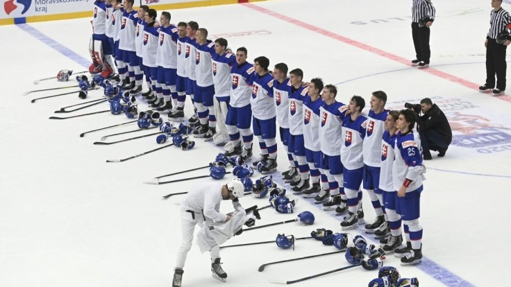 Mladí hokejisti majú postup istý, zabezpečila ho prehra Kazachov