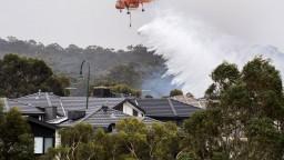 Austrália naďalej čelí požiarom a horúčavám, úrady nariadili evakuáciu