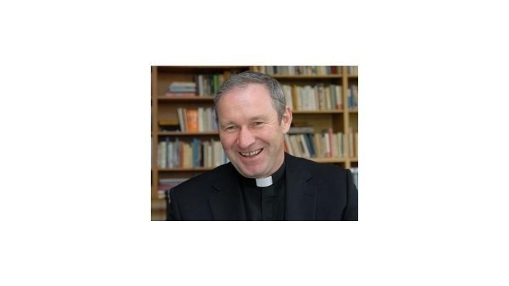 Z odvolaného arcibiskupa Bezáka je výpomocný duchovný