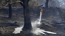 Požiare neustávajú, ľudí uväznili v apokalyptických podmienkach