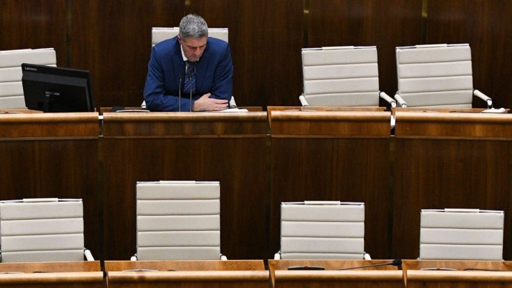 V rozpočte je diera, niektorí podľa Bugára zbytočne rozdávajú