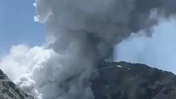 Neďaleko Aljašky vybuchla sopka, varovali pred popolom