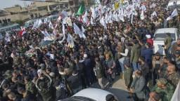 S generálom sa lúčili tisícky ľudí, Teherán sľubuje za útok odvetu