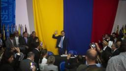 Parlament vo Venezuele má dvoch šéfov, USA podporili Guaidóa