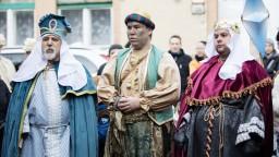 Požehnávajú sa domy i voda, kresťania slávia sviatok Troch kráľov