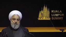 Iránsky prezident reagoval na ostré slová Trumpa, varoval ho