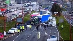 Kamionisti zablokovali bratislavskú ulicu aj hraničný priechod