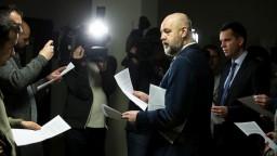 Expertka pri zmenkách podvod nevidí, skúmala Ruskove podpisy