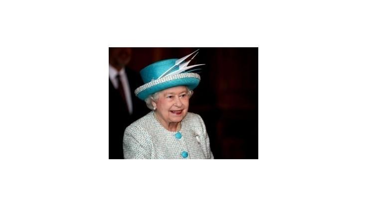 Kráľovná tajila svoje televízne vystúpenie aj pred rodinou
