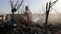 Lietadlo nad Iránom mohla zničiť raketa, pripúšťajú experti