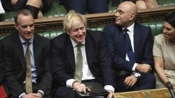 Poslanci definitívne odhlasovali zákon k odchodu Británie z EÚ