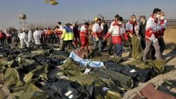 Zostreleniu lietadla veria viacerí lídri. Irán otočil a prizval Boeing