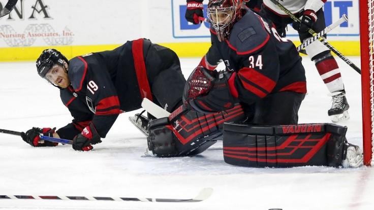 NHL: Domáce tímy víťazili, Mrázek má tretí shutout v sezóne