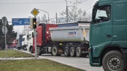 Autodopravcovia našli kompromis, vstúpili do výstražného štrajku