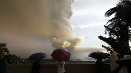 Na Filipínach sa prebudila sopka, evakuovali tisíce ľudí