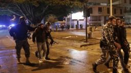 V Libanone museli ošetriť desiatky ľudí, polícia použila delá a plyn